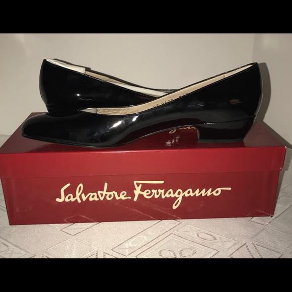 838075fabd0a5 NIB! Salvatore Ferragamo Loredana Flats Size 9 AAA